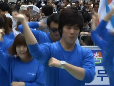 Gangnam dance takes over streets of Seoul