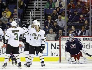 Benn's 2 goals lift Stars past Blue Jackets 4-2