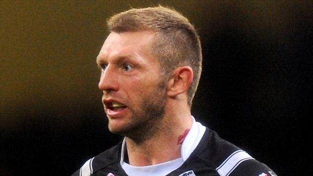 Sean Long's Featherstone strolled to victory over Leigh