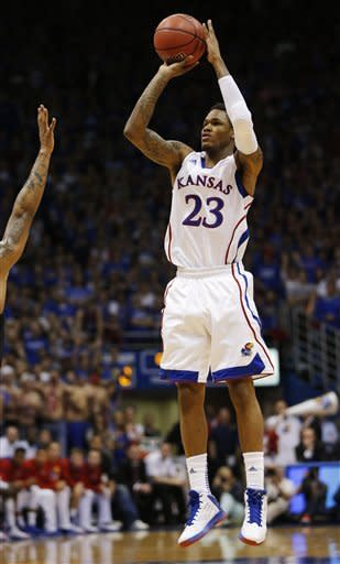 No. 14 Jayhawks rout No. 10 Kansas State, 83-62