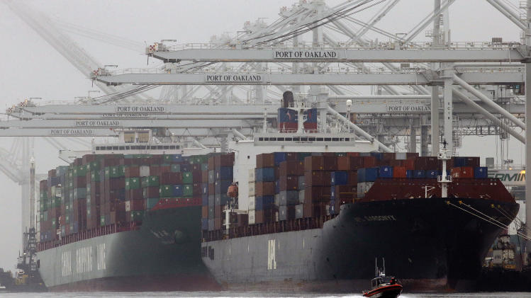 US trade deficit drops to $40.6 billion in October