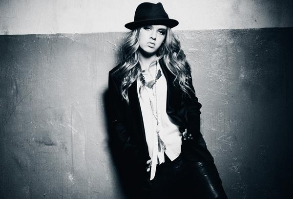 ZZ Ward Embraces Synths on 'Put the Gun Down (Passion Pit Remix)' - Premiere