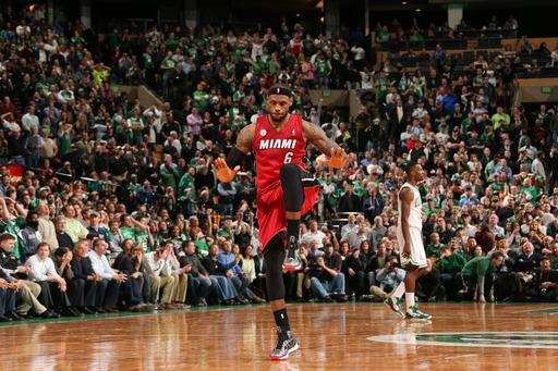 Heat beat Boston 105-103 for 23d win in a row