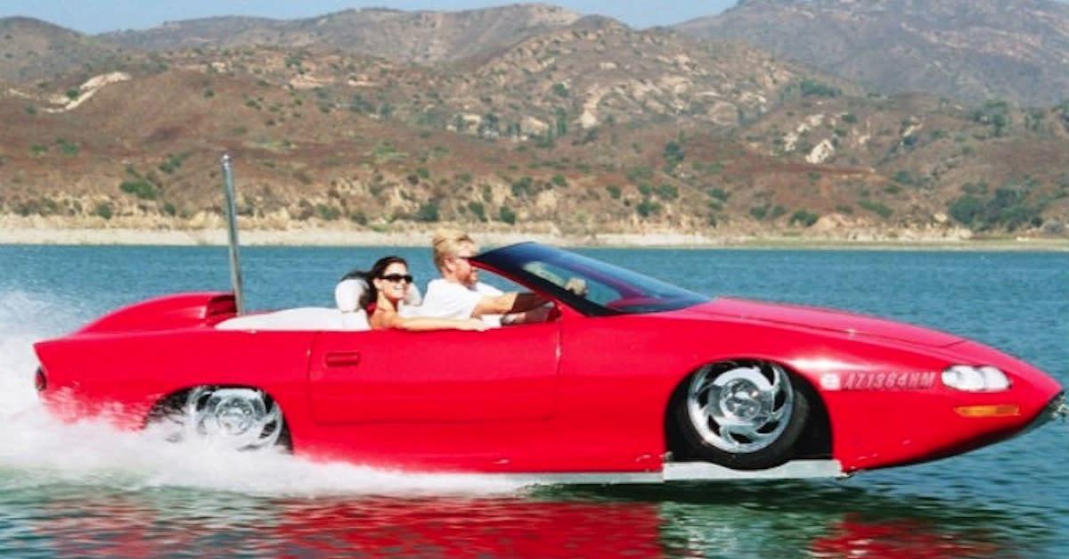 20 Mind-Blowing Amphibious Cars That Swim