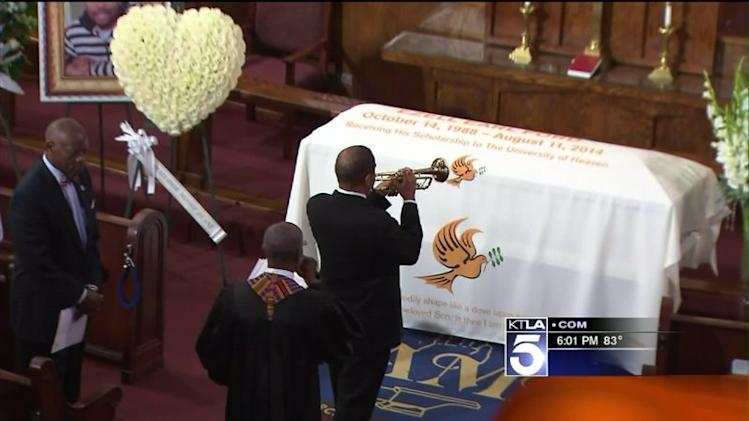 Ezell Ford`s Funeral Held in South L.A. Weeks After Fatal LAPD Shooting