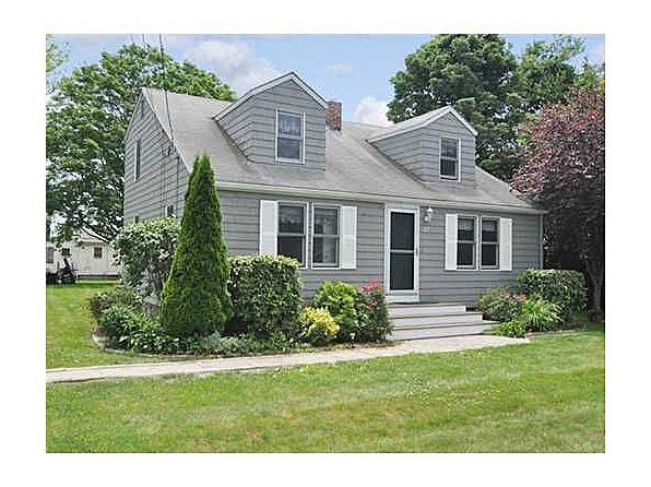 Yahoo! Homes of the Week: $425K homes narragansett