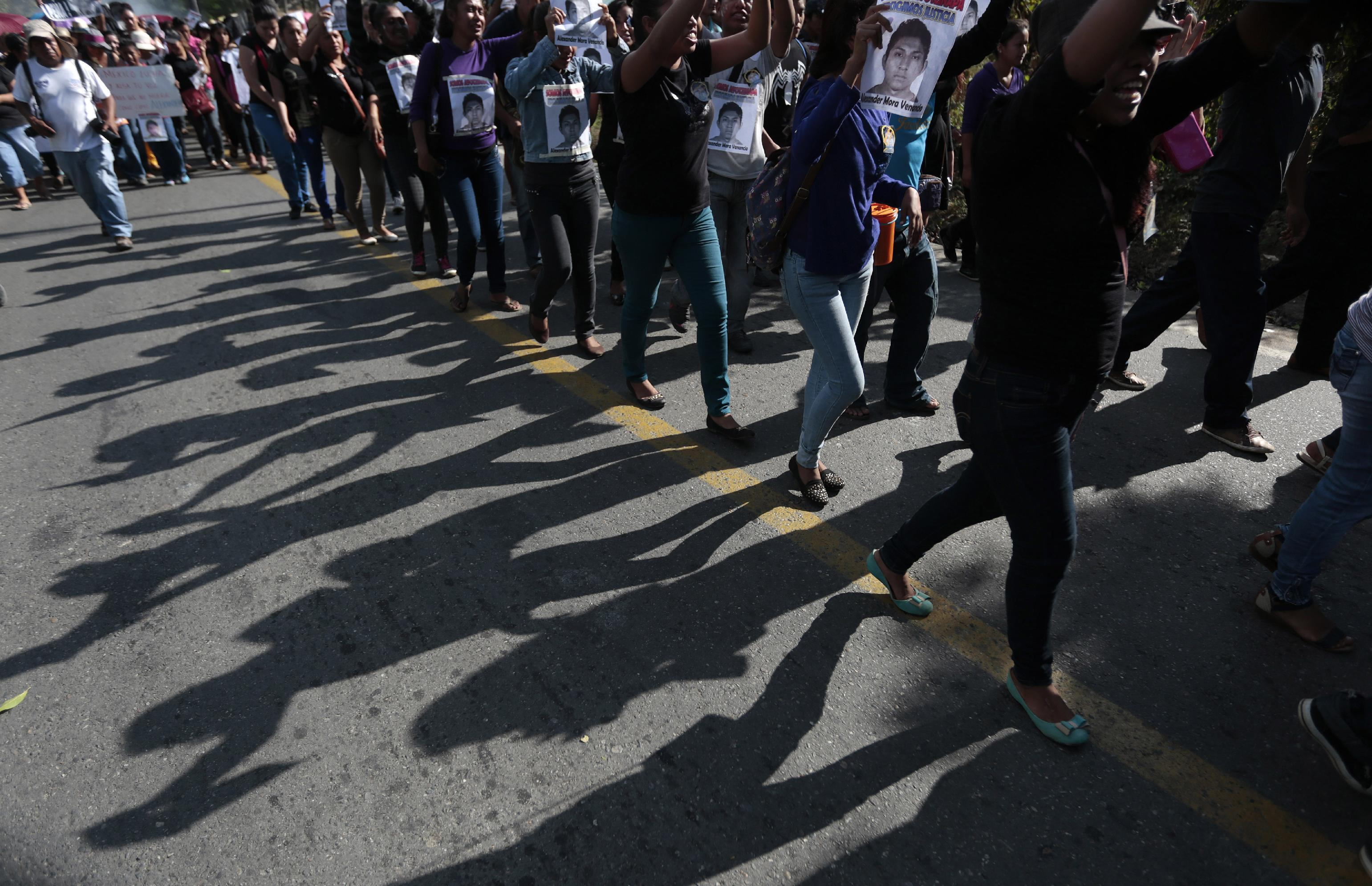 Armed group seizes and beats Mexican reporters