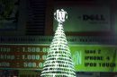 91225704bc1b191c020f6a706700bdc0 Vietnam store makes Christmas tree from cellphones