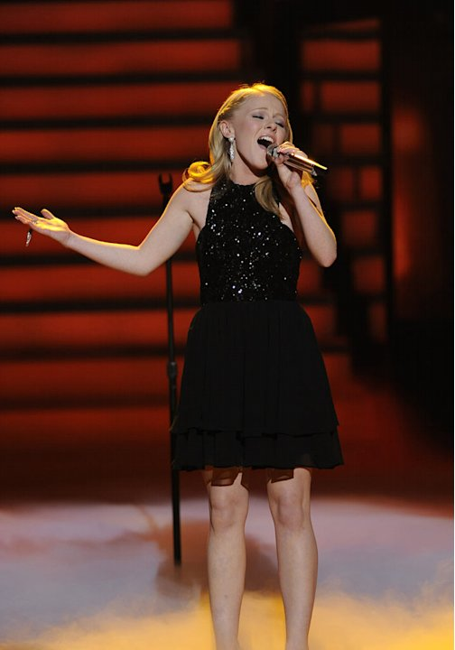 Hollie Cavanagh performs