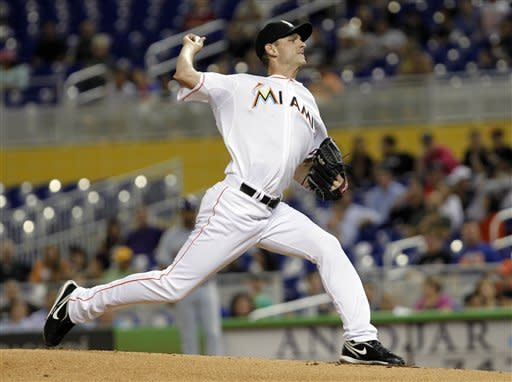 Marlins beat Mets 4-3 in 11 innings