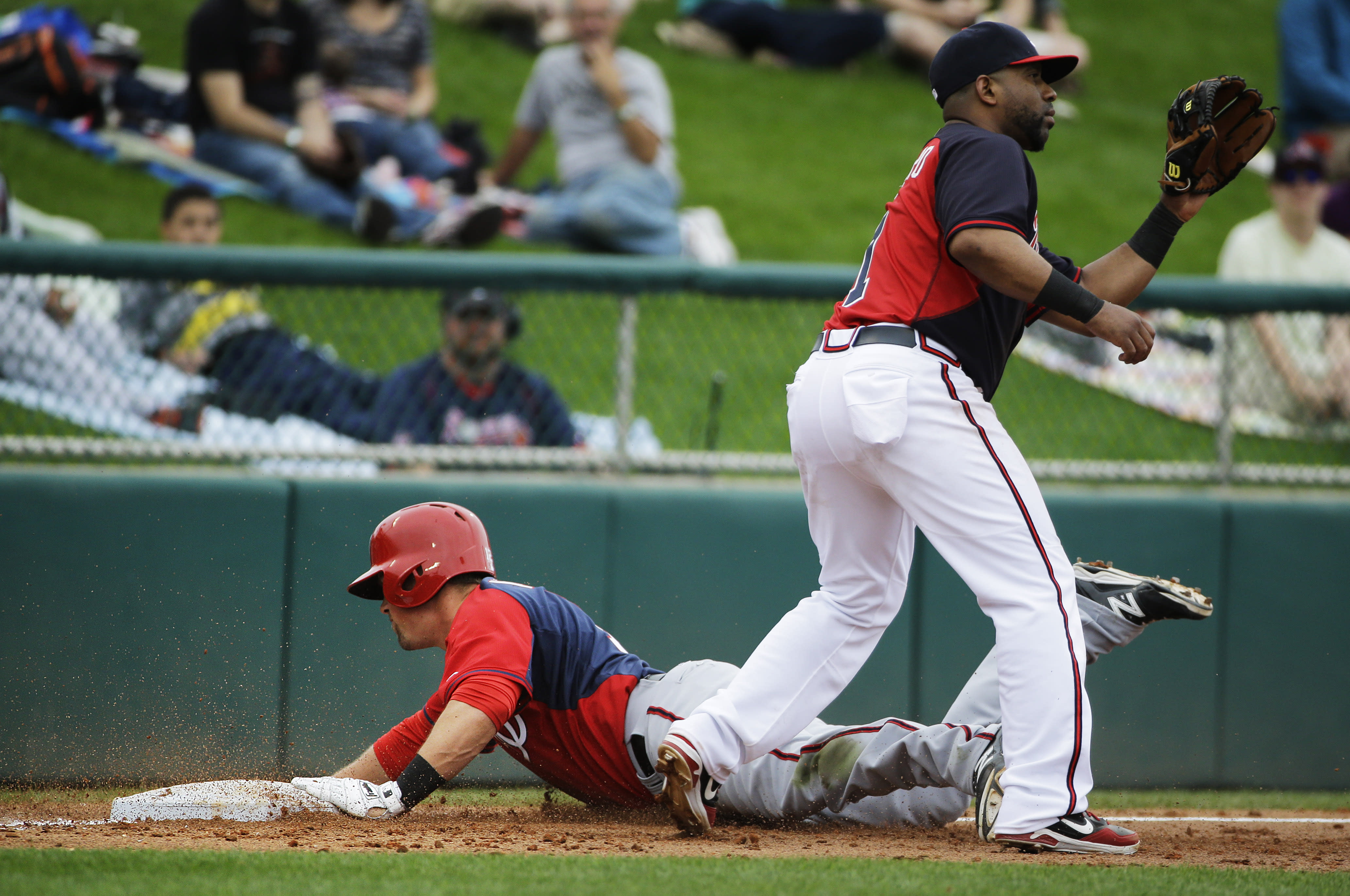 Moore homers, drives in 5 as Nationals beat Braves 9-8