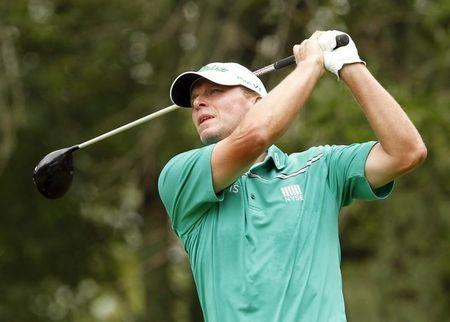 Former world number two Steve Stricker has back surgery
