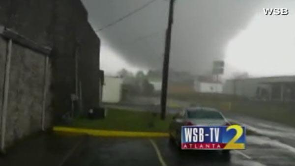 Tornado rips through Georgia city
