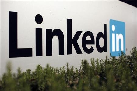 LinkedIn to test smartphone ads in new mobile apps