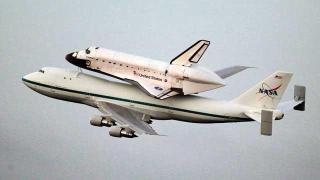 NASA to Fly Shuttle Over Tucson for Giffords