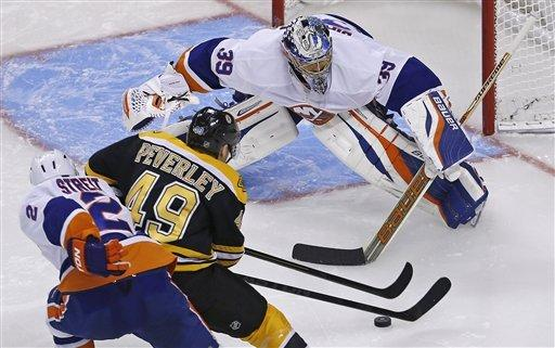 Bruins rally for 4-2 win over Islanders