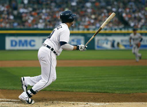 Tigers rout Red Sox 10-3, Scherzer now 11-0