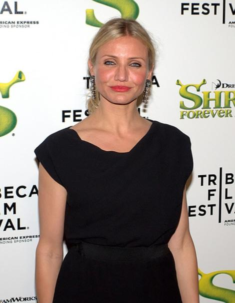 Cameron Diaz Disappoints at LACMA -- Gucci Dress Makes Star Look like Stuffed Marigold