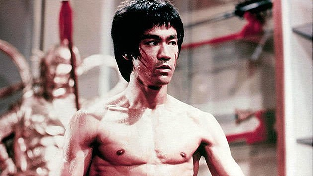 Bruce practiced Wing Chun at first, but later rejected fixed martial art styles, favouring instead the use of techniques from various sources, in the spirit of Jeet Kune Do. (Warner Bros. Photo)