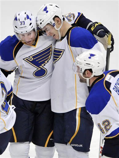 Blues edge Blackhawks 4-3 in shootout