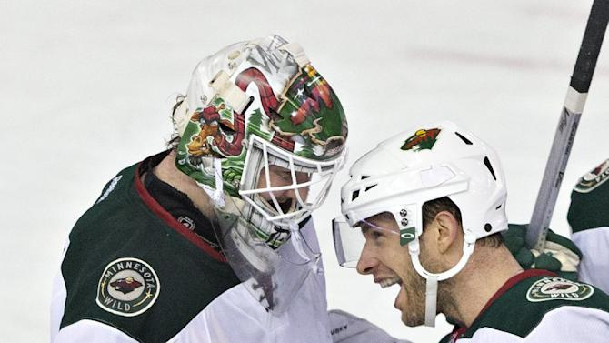 Dubnyk gets 6th shutout of season as Wild beat Oilers 4-0