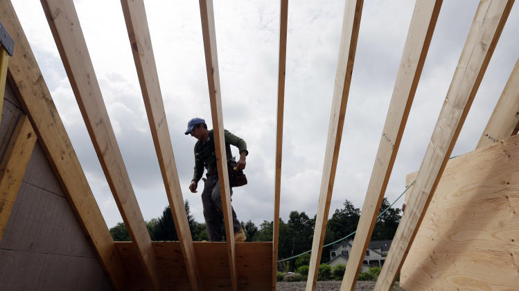 US homebuilder confidence, sales outlook soar