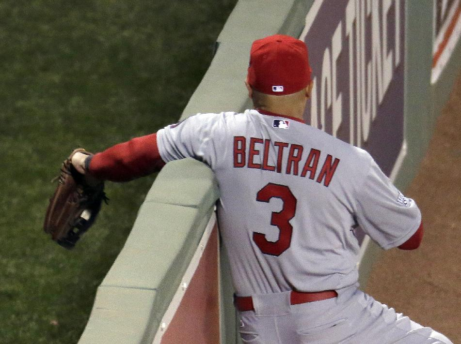 Beltran: Cardinals' star shakes off bruised ribs