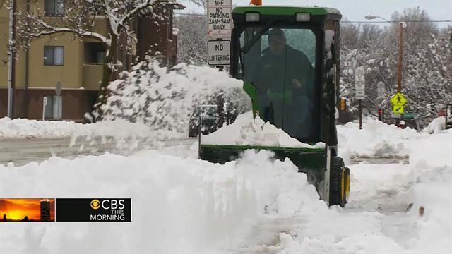 Spring storm brings record snowfall to Midwest