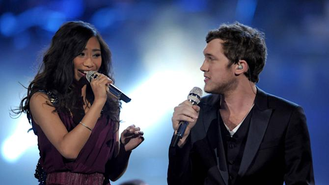 """Finalists Jessica Sanchez, left, and Phillip Phillips perform onstage at the """"American Idol"""" finale on Wednesday, May 23, 2012 in Los Angeles. (Photo by John Shearer/Invision/AP)"""