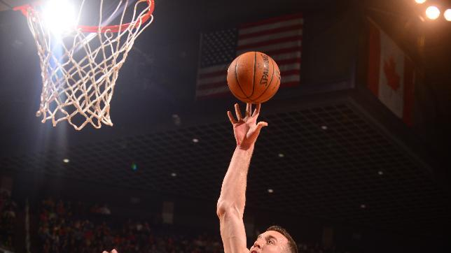 Plumlee's career-high 22 lead Suns past 76ers