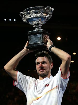 Wawrinka wins Aussie Open final vs injured Nadal