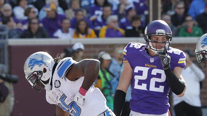 Big D: Lions dominate Bridgewater, Vikings 17-3