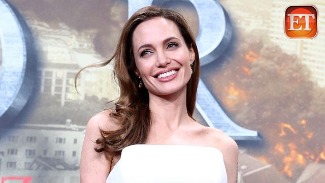 Jolie to Receive Academy's Humanitarian Award