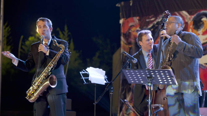 In this pictures taken on Sept 27, 2011, Members of the New York jazz band, from left, Chris Byars, Ari Roland and Zaid Nasser perform at a concert sponsored by the American embassy in Islamabad, Pakistan. Carrots haven't worked with Pakistan. Neither have sticks. Now the U.S. has enlisted the power of jazz music to improve relations with Pakistanis at time when the important alliance between the two countries has hit rock bottom. (AP Photo/B.K.Bangash)