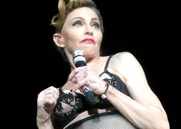 Madonna, breast flash