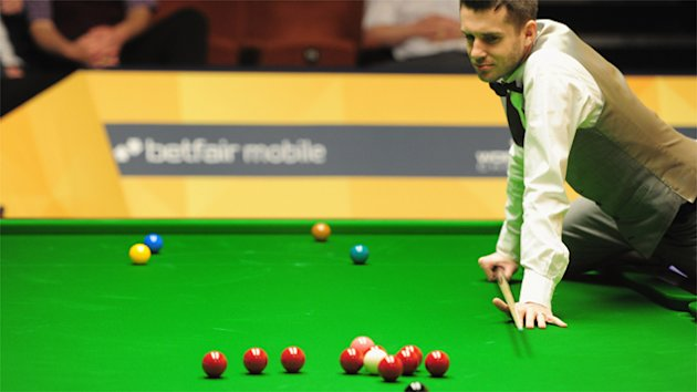 Puh, was tun? Mark Selby in seinem Zweitrunden-Match gegen Barry Hawkins