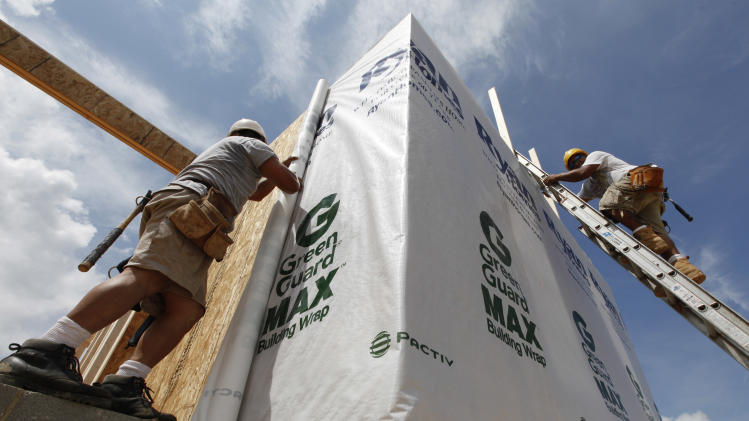 US 30-year mortgage drops to record-low 3.67 pct