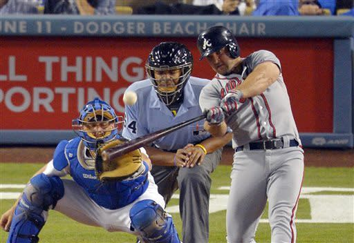 Braves' Medlen homers in his 2-1 win over Dodgers
