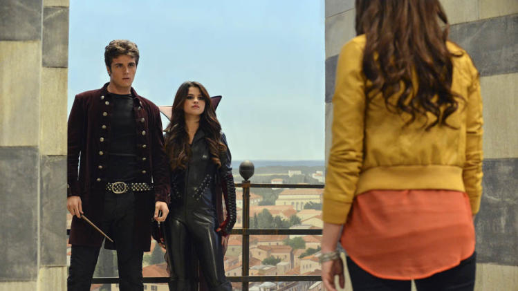 """The Wizards Return: Alex vs Alex"" - BEAU MIRCHOFF, SELENA GOMEZ"