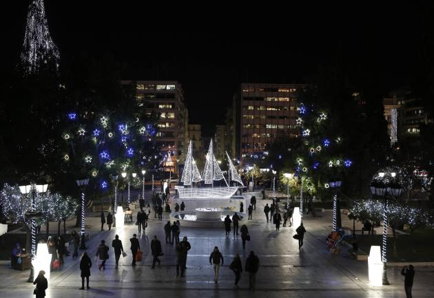 2013-12-11T182333Z_100908760_GM1E9CC067701_RTRMADP_3_GREECE - Christmas decorations around the world - Lifestyle, Culture and Arts