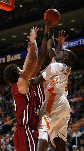 Tennessee holds off South Carolina in 69-57 win