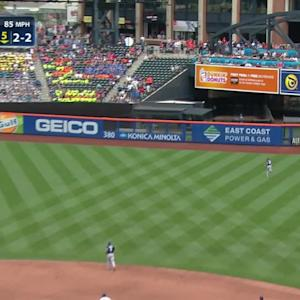 Grandy's three-run homer