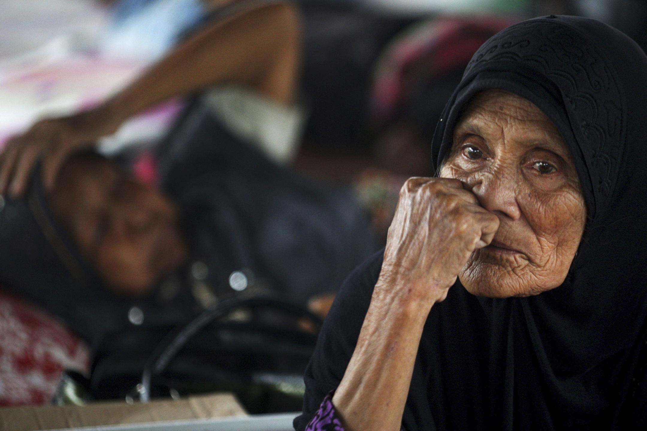 At least 45,000 homeless after Aceh quake in Indonesia