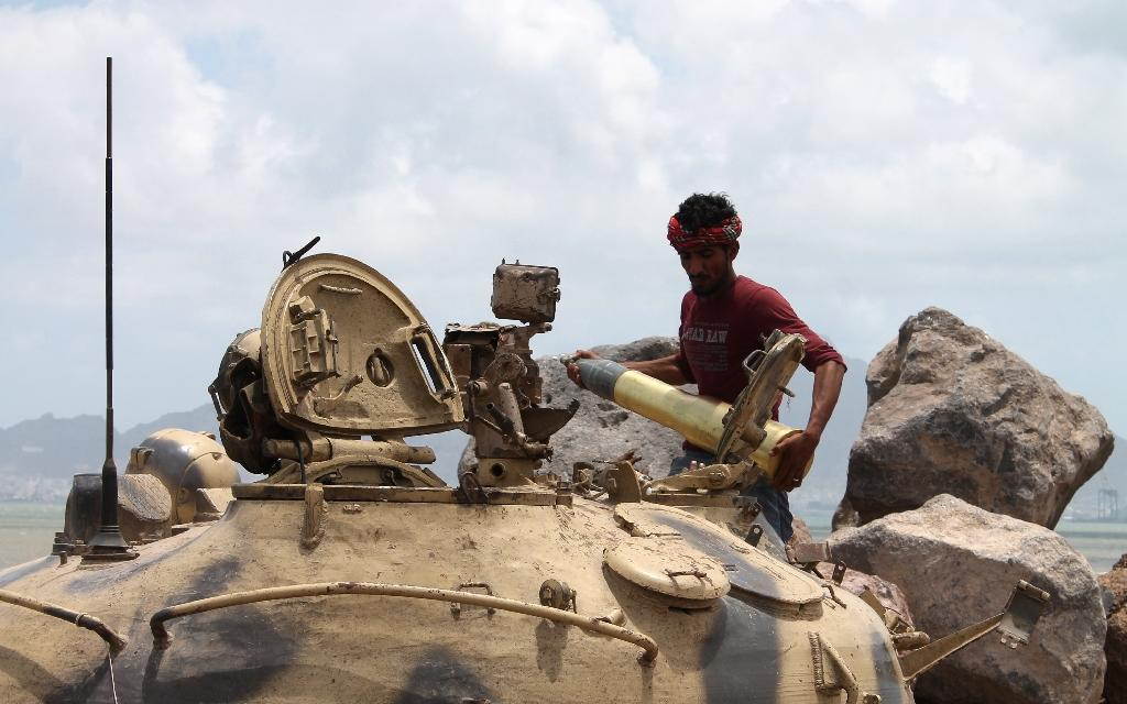 Yemen urges rebel army units to drop support for Huthis