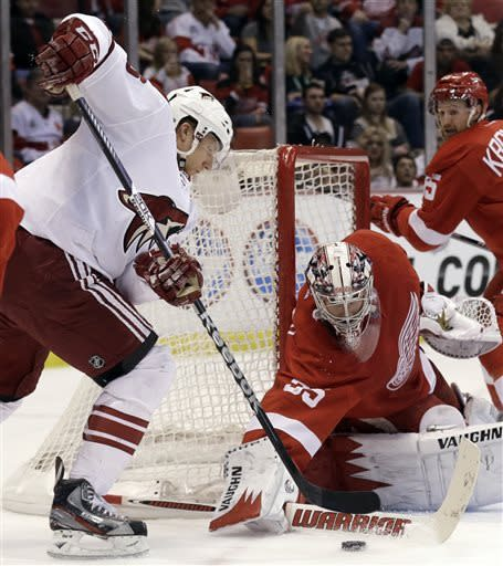 Red Wings beat Coyotes 4-0 in push for playoffs