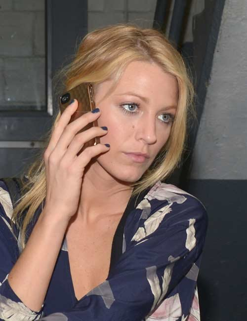 Newly-Wed Blake Lively Follows In Rihanna's Footsteps With A Velvet Manicure