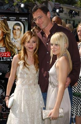Premiere: Mary-Kate Olsen, Bob Saget and Ashley Olsen at the world premiere of Warner Brothers' New York Minute - 5/1/2004
