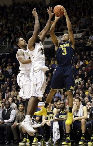 No. 7 Michigan beats Purdue 80-75