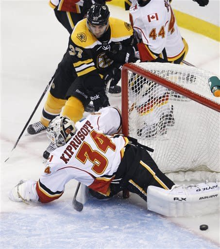 Horton, Bergeron lead Bruins to 9-0 rout of Flames
