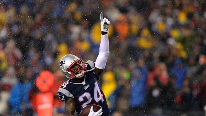 Darrelle Revis #24 of the New England Patriots celebrates after an interception against the Indianapolis Colts during the 2015 AFC Championship Game on January 18, 2015 in Foxboro, Massachusetts